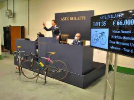 Battuta allasta per 66000€ la bici del Tour de France di Marco Pantani