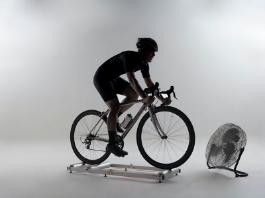 Pedalare sui rulli è come pedalare su strada?